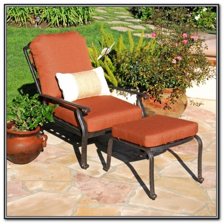 Wicker Patio Chair With Ottoman