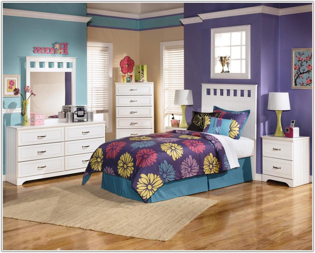 Youth Bedroom Set With Desk
