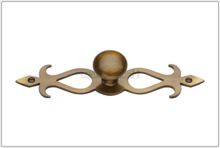 Antique Brass Cabinet Knob Backplate