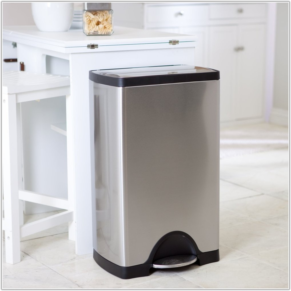 Cabinet Door Mounted Trash Can With Lid