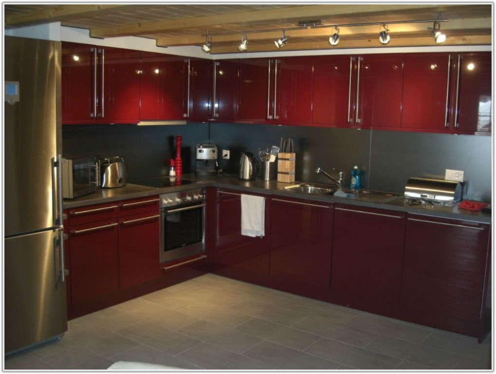 Dark Kitchen Cabinets With Light Wood Table