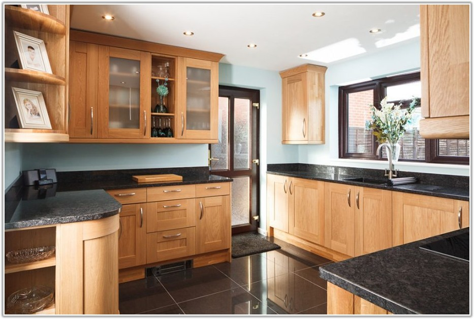 Modern Solid Wood Kitchen Cabinets