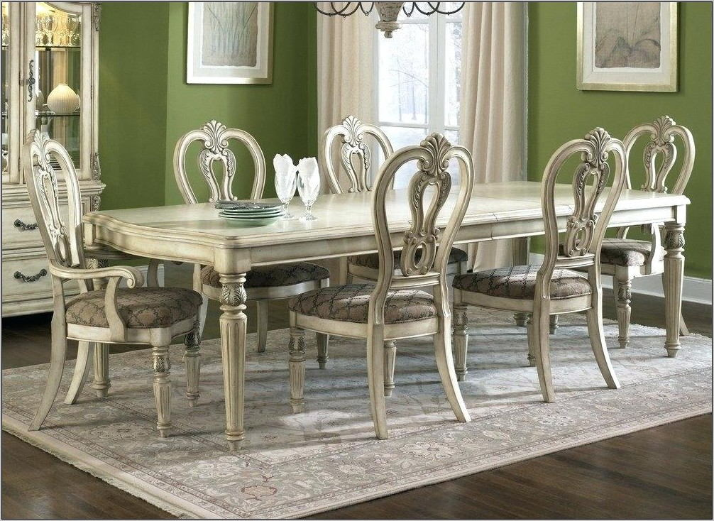 Light Wood Dining Room Sets